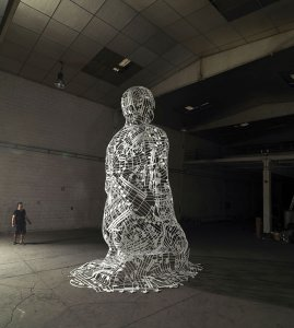 Istanbul Blues, 2012 Acier inoxydable peint en blanc 650 x 355 x 490 cm 1264 kg ©Jaume Plensa courtesy Galerie Lelong Paris
