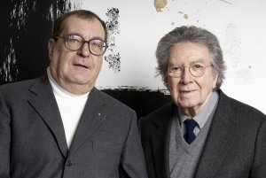 Monsieur Lelong et Antonio Tàpies Photo de Antoni Tàpies Copyright Galerie Lelong  Photo :  Fabrice Gibert Courtesy Galerie Lelong