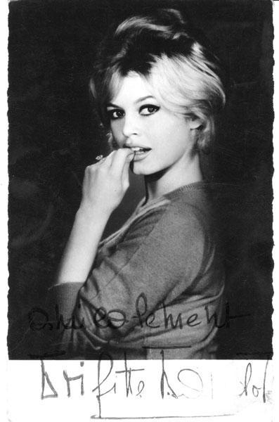 BRIGITTE BARDOT CARTE PHOTO SAM LEVIN SIGNEE